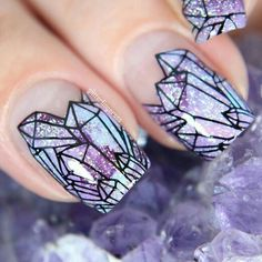 GORGEOUS Crystal formation nail-art!💗