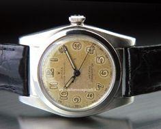 Rolex Oyster Ovetto (Bubbleback) - Ref. 2940 Cassa in acciaio 32mm Cassa a vite in 2 corpi Corona Rolex Oyster Cinturino in pelle Movimento automatico, calibro 93/4 Anno 1945