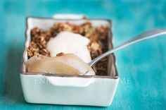Breakfast pear crumble and custard made with spice infused poached pears, granola and a custard apple topping. Breakfast will never be the same again! Poached Pears, Healthy Dessert Recipes, Custard, Granola, Spices, Ice Cream, Apple, Breakfast, Food