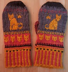 Ravelry: anysteph's Cat Autumn Mittens in Mountain Meadow Wool Saratoga Mittens, Ravelry, Knitted Hats, Gloves, Mountain, Autumn, Wool, Knitting, Cats