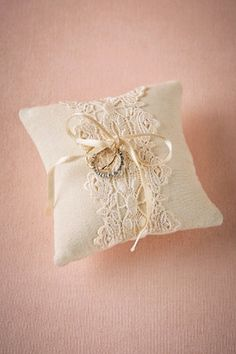 Gorgeous vintage inspired ring pillow #wedding