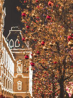 Magical Christmas in Spain Christmas In Spain, Magical Christmas, Christmas Mood, Very Merry Christmas, Christmas Countdown, Christmas Pictures, Christmas Lights, Christmas Tumblr, Vintage Christmas
