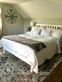 Linen bed duvet with textured pillows and wall art. Duvet Bedding, Linen Bedding, Modern Country Bedrooms, Pillow Texture, Earth Tones, Pillows, Wall Art, Furniture, Home Decor