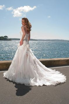 Unique Wedding Dresses Strapless Mermaid Ruffled Bodice With Handmade Flowers And Beads picture 3