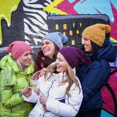 Colour On Top! Trendy og fargerik lueserie, strikket i det tykke garnet URBAN. Design: Randi Ballangrud Foto: Jeanett Økland www.cria.no
