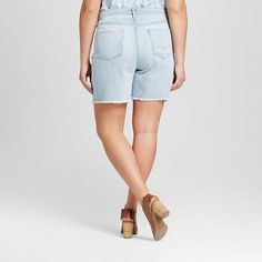 Women's Plus Size Denim Boyfriend Shorts Light Denim Wash 22W - Mossimo, Blue