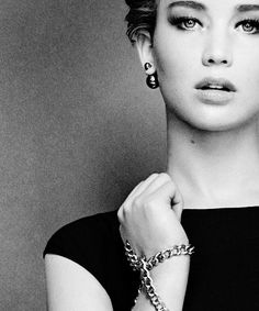 Jennifer Lawrence could totally play Holly Golightly from Breakfast at Tiffany's in a new movie adaptation.