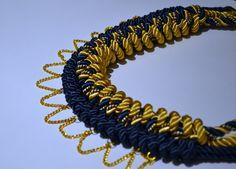 Collar con detalles dorados #necklace #accesories #handmade #madewithlove #fashion #design