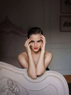 Love Emma Watson - she is so sexy with the short hair - what a way to break stereotype!
