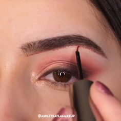 A rule that you should be careful not only for your bridal makeup, but for all your life: Make-up according to your eye and skin color! Glitter Eye Makeup, Eye Makeup Art, Simple Eye Makeup, Glam Makeup, Hair Makeup, Eyeshadow Tips, Eyeshadow Looks, Fall Eyeshadow, Eyeshadow Makeup Tutorial