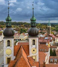 Telč (Bohemian-Moravian Highlands), Czechia #town #Czechia #renaissance #VisitCzechia European Countries, Central Europe, Highlands, Slovenia, Czech Republic, Hungary, Croatia, Renaissance, Taj Mahal