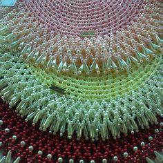 Ainda da tempo de encomendar para sua mesa de Natal . . Bom-dia . Tô in love por esses Sousplatscroche com pérolas❤️❤️❤️ . . . ❌sousplatscroche com pérolas ➡️50 reais a unidade . . . Encomende os seus? . #bomdia #quartafeira #tableware #arteemlinha #tabletips #table #sousplat #sousplatscroche #guardanapo q#portaguardanapo #croche #crochet #crocheting n#mesahits #meseiras #mesalinda #meseirasdobrasil #meseirasassumidas #homedecor #casaarrumada #roupasdemesa #ins... Crochet Motifs, Diy Crochet, Crochet Patterns, Seed Bead Patterns, Beading Patterns, Lace Doilies, Crochet Doilies, Crochet Backpack, Beaded Choker Necklace