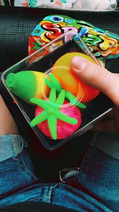 8 Year Old Christmas Gifts, Splat Balls, Yarn Crafts, Diy Crafts, Figet Toys, Cool Fidget Toys, Slime Toy, Slime And Squishy, Teen Life Hacks