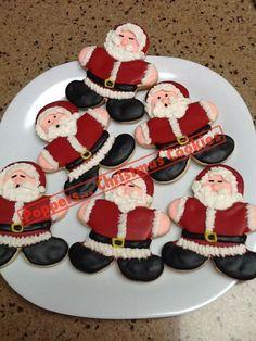 Santa Cookies using Gingerbread Man Cookie Cutter Santa Cookies, Galletas Cookies, Christmas Sugar Cookies, Iced Cookies, Christmas Sweets, Christmas Cooking, Noel Christmas, Holiday Cookies, Christmas Cakes