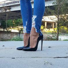 (7) Home / Twitter Sexy Legs And Heels, Platform High Heels, Black High Heels, High Heels Stilettos, Stiletto Boots, High Heel Boots, Heeled Boots, Talons Sexy, High Heels Plateau