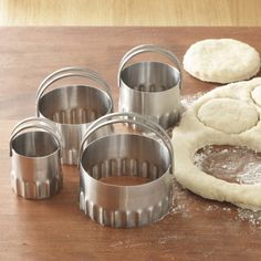 RSVP Biscuit Cutters Round - Fluted Edge (set of 4) RSVP,http://www.amazon.com/dp/B000FLXBN2/ref=cm_sw_r_pi_dp_z6Uatb03KQB3Y4EK
