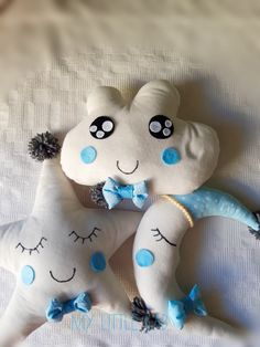 The 5 cutest pillows for nursery room how cute! Cute Pillows, Soft Pillows, Nursery Room, Softies, Hello Kitty, Sewing Projects, Character, Child Room, Stuffed Animals