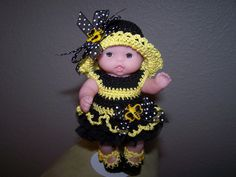 # 748 A little Bee outfit