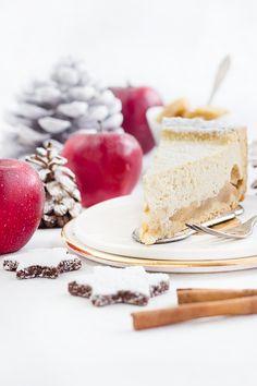 Unser Kuchen für die weihnachtliche Kaffeetafel 2015: Bratapfel-Käsekuchen. Einfach herzustellen, wunderbar weihnachtlich und angenehm saftig.