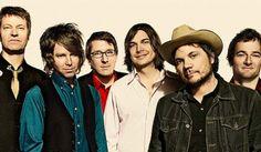Wilco festeja el aniversario de su disco regalando una canción