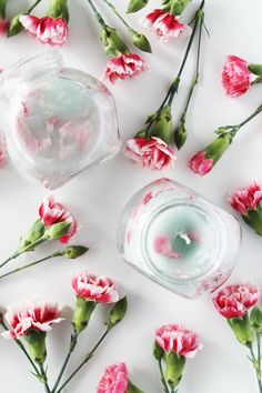 DIY: 'Pretty In Pink' Floral Candles (Perfect for Mother's Day!) | http://hellonatural.co/diy-pretty-in-pink-floral-candles/