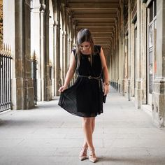 Pleated dress and fashion week. Don't forget to check out my latest blog post! #petiteinparisgoestofashionweek #parisfashionweek #parisblogger #petiteblogger
