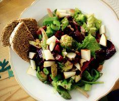 Lauwarmer Rosenkohlsalat mit Rote Bete und Birne
