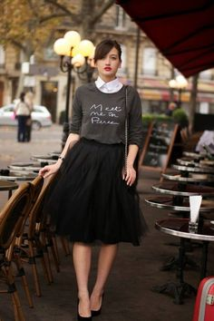 Black tulle skirt, tutu skirt worn with sweater and heels - Super cute date night outfit Mode Outfits, Fall Outfits, Casual Outfits, Fashion Outfits, Womens Fashion, Fashion Trends, Fashion 2015, Skirt Fashion, Fashion News