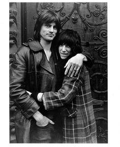 Gerard Malanga, Patti Smith & Sam Shepard after brunch in Knightsbridge, London (1972). Photo: Courtesy Caroline Smulders.
