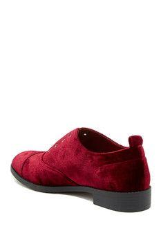 9710a5fe8ac6 23 Best Shoes images