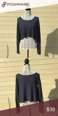 Abercrombie Cropped Navy Sweater Lightweight, cropped sweater from Abercrombie. Worn once. Abercrombie & Fitch Sweaters