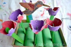 Recycled crafts for kids showing you how to build a robot from junk and fun ideas to make. Earth Day Activities, Spring Activities, Preschool Garden, Preschool Crafts, Recycled Crafts Kids, Crafts For Kids, Earth Day Projects, Garden Theme, Garden Crafts