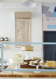 One-Girl-Cookies-cake-counter-Brooklyn-Dana-Gallagher-photo-Remodelista-1