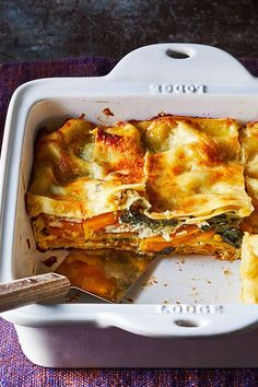 This butternut squash and spinach lasagna recipe incorporates ricotta cheese, garlic, baby spinach, Italian cheese, sage, lasagna noodles and butternut squash to create the ultimate comfort food meets fall recipe. Whether you're looking to eat this butternut squash recipe as a cozy fall dinner or pack it for lunch, it's a great choice for a pasta recipe. #pastarecipes #lasagnarecipes #butternutsqaush #butternutsquashrecipes #butternutsquashlasagna Butternut Squash Lasagna, Spinach Lasagna, Healthy Comfort Food, Healthy Foods, Healthy Recipes, Lasagna Noodles, No Noodle Lasagna, Vegetarian Lasagna Recipe, Squash Recipe