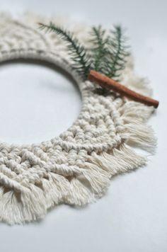 Knots, Christmas Wreaths, Buttons