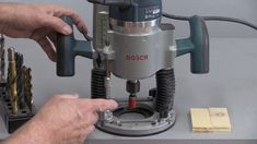 Wood Router Tips and Tricks Router Projects, Easy Woodworking Projects, Woodworking Videos, Woodworking Plans, Best Wood Router, Router Setting, Dovetail Jig, Plunge Router, Home Technology