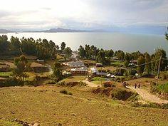 Titicaca - Isla Amantaní - Perú. Al fondo la península de Capachica