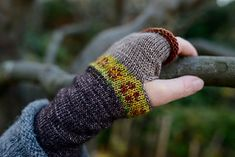 Ravelry: Rose Mitts pattern by Helen Gray Designs