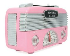 Vintage Style Radio by The Design Town