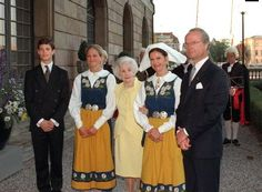 Princess Lilian with Prince Carl Philip, Princess Madeleine, Queen Silvia and King Carl XVI Gustav of Sweden on National Day, June 6, 2004