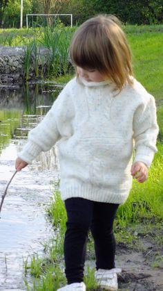 Sweterek robiony na drutach :)