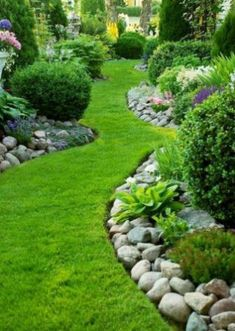 Stunning Front Yard Landscaping Ideas on A Budget 24