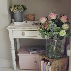 Shabby and Charming: The romantic English cottage Tracey