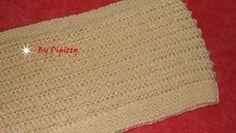 Este cachecol foi tricotado com 2 novelos da lã Sedificada e agulha 6. A cor usada foi a Nínive (701) Montei 37 pontos na agulha e segui...