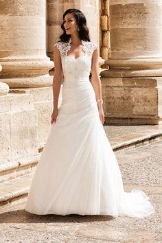 Romantische trouwjurken en bruidsjurken | New Styling Bruidsmode