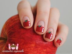 Apple manicure for day of school :) Love Nails, How To Do Nails, Pretty Nails, Red Nails, Garra, Teacher Nails, Fruit Nail Art, Back To School Nails, Super Cute Nails