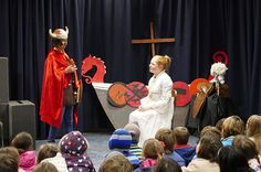 "Class 4DF entertained students, parents and teachers with their performance ""The Saga of Eric the Red""."