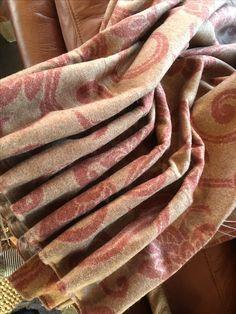 Gardiner i eget design. Hytte på Hafjell. Interiørdesign og fargekonsulent   Leverandør: www.hegew.no Kreativ Designer: Hege Wølner Fabric, Tejido, Tela, Cloths, Fabrics, Tejidos