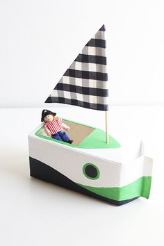 Make a boat with a milk carton Kids Crafts, Boat Crafts, Craft Activities For Kids, Projects For Kids, Diy For Kids, Craft Projects, Craft Ideas, Milk Carton Crafts, Make A Boat
