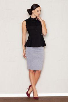 Formal black sleeveless shirt with a collar